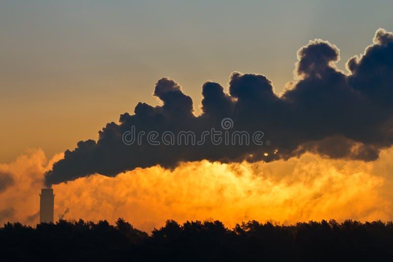 władzy dymu staci thermal zdjęcia royalty free