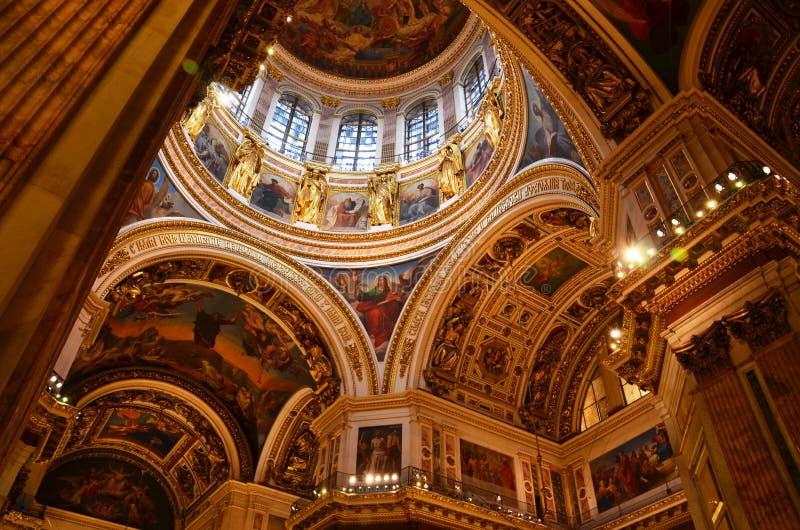 Włochy jest w wielkim katedralnym wnętrzu obrazy royalty free