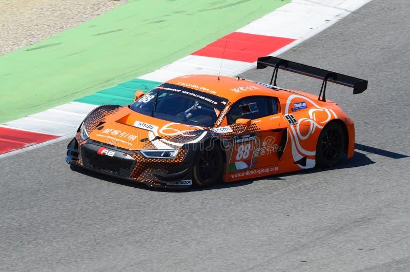 Włochy - 29 Marzec, 2019: Audi R8 LMS 2019 Samochodowa Inkasowa Motorsport Niemcy drużyna obrazy royalty free