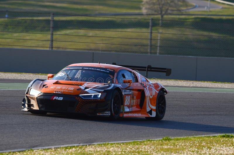 Włochy - 29 Marzec, 2019: Audi R8 LMS 2019 Samochodowa Inkasowa Motorsport Niemcy drużyna zdjęcia stock