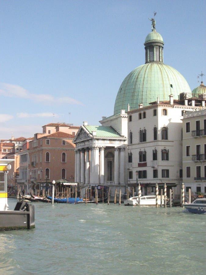 Włochy piękno, jeden kanałowe ulicy w Wenecja, Italia fotografia stock