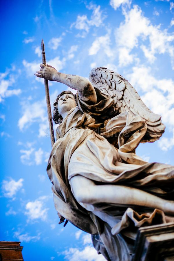 Włochy, Rzym, Castel Sant ` Angelo, statua anioł z dzidą fotografia stock