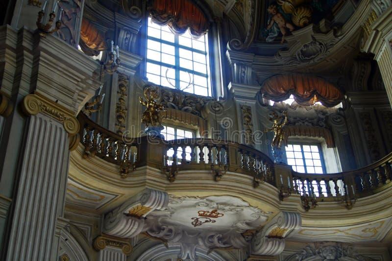 Włochy Turyn pałac królewskiego Stupinigi wielkiej hali sławny balkon dla piosenkarzów i orkiestry obraz royalty free