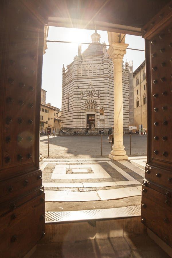 Włochy, Tuscany, Pistoia Baptistery fotografia royalty free