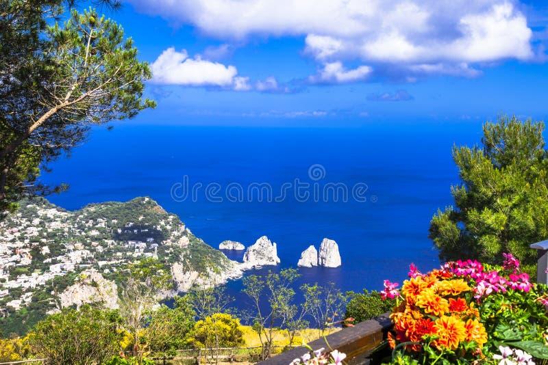 Włoscy wakacje - Capri wyspa zdjęcia stock