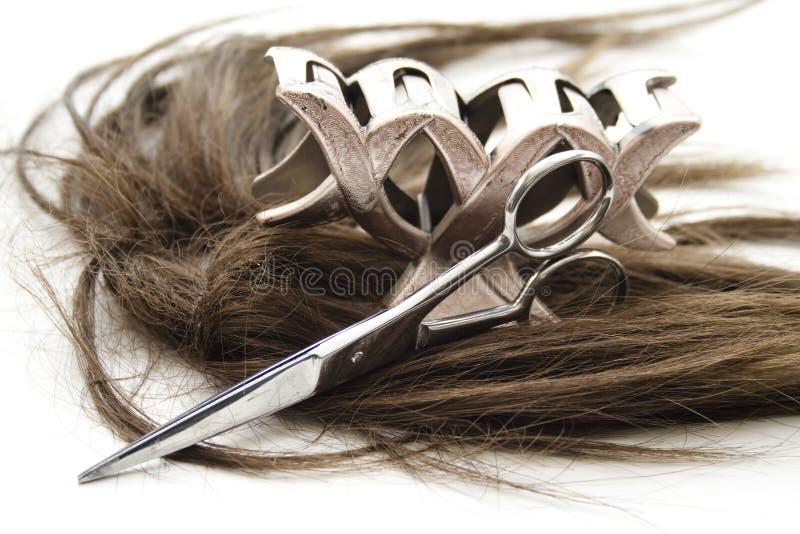 Włosiana klamerka i nożyce z włosy zdjęcia royalty free