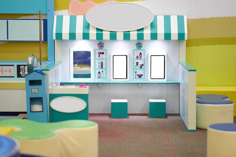Włosianego salonu sklep w kopii dla bawić się dla dzieciaków zdjęcia stock