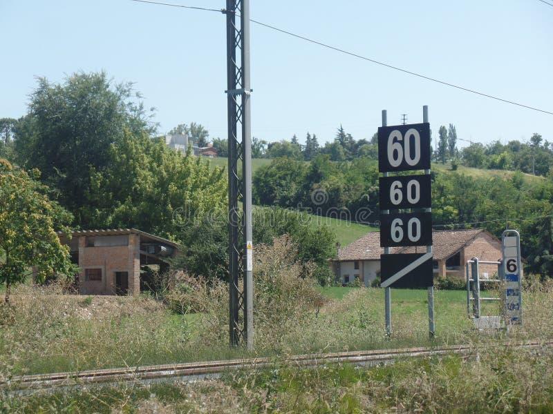 Włoska kolejowa rakietnica w wsi zdjęcia royalty free