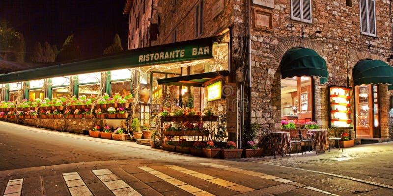 Włoska restauracja w Assisi Włochy zdjęcia royalty free