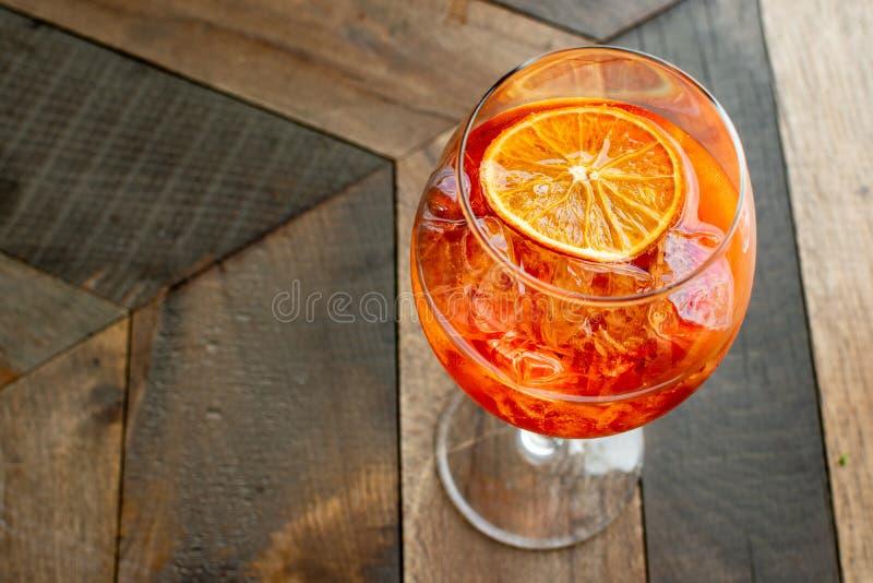 Włoski aperitif ` aperol stpritz ` obrazy stock