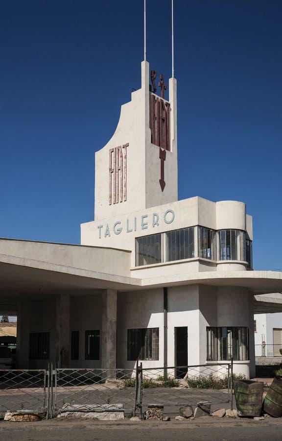 Włoski kolonialny stary art deco buduje w Asmara mieście Eritrea obraz royalty free