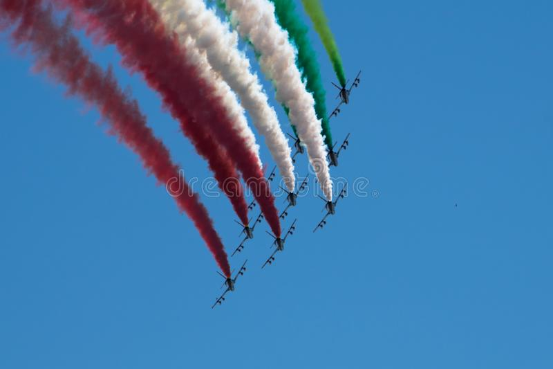 Włoski militarny lotniczy patrol Frecce Tricolori wykonuje podczas republika dnia na Czerwcu 2 w Rzym zdjęcie royalty free
