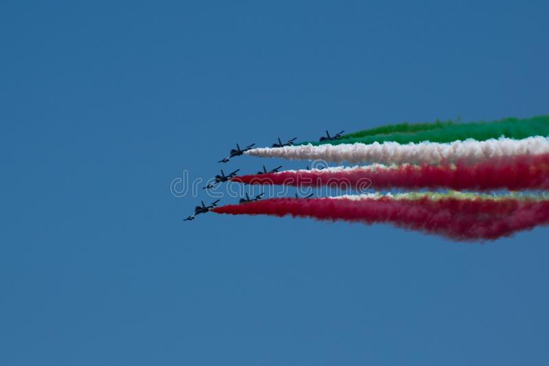 Włoski militarny lotniczy patrol Frecce Tricolori wykonuje podczas republika dnia na Czerwcu 2 w Rzym fotografia royalty free