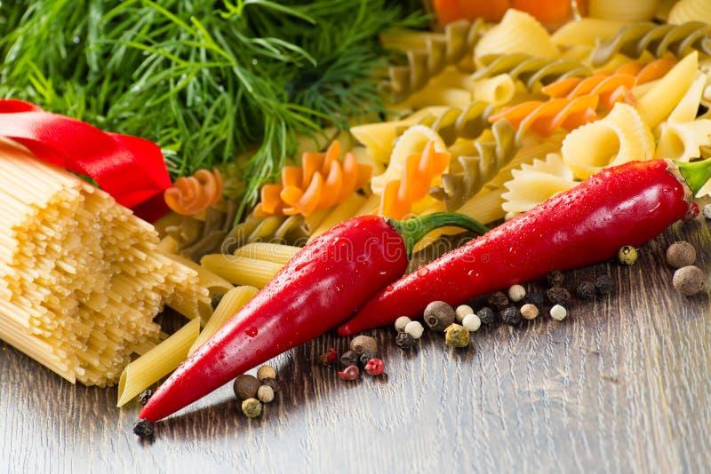 Włoski spaghetti i warzywa obrazy royalty free