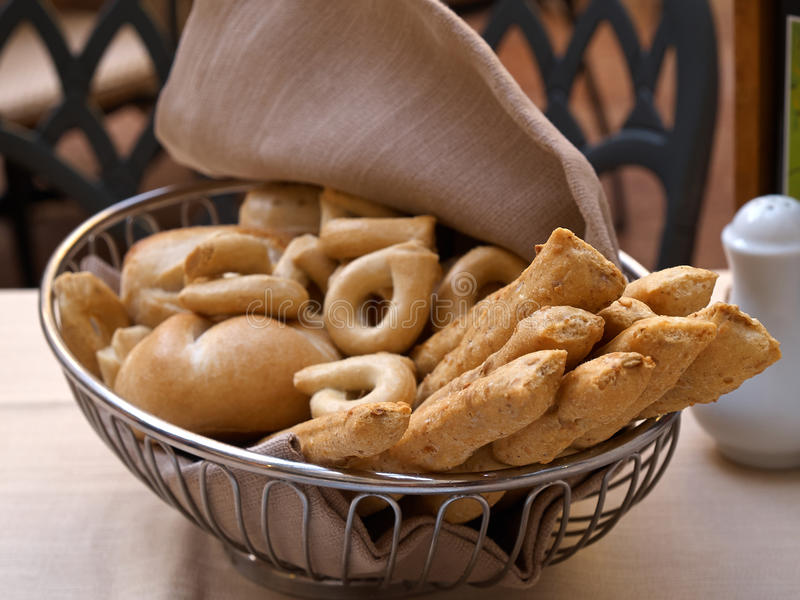 Włoski tradycyjny chlebowych kijów grissini fotografia stock