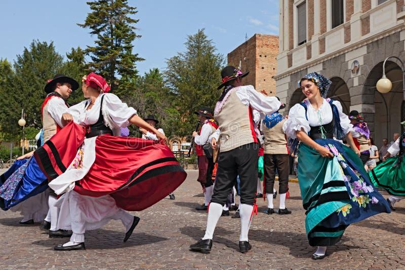 Włoski tradycyjny taniec zdjęcie stock