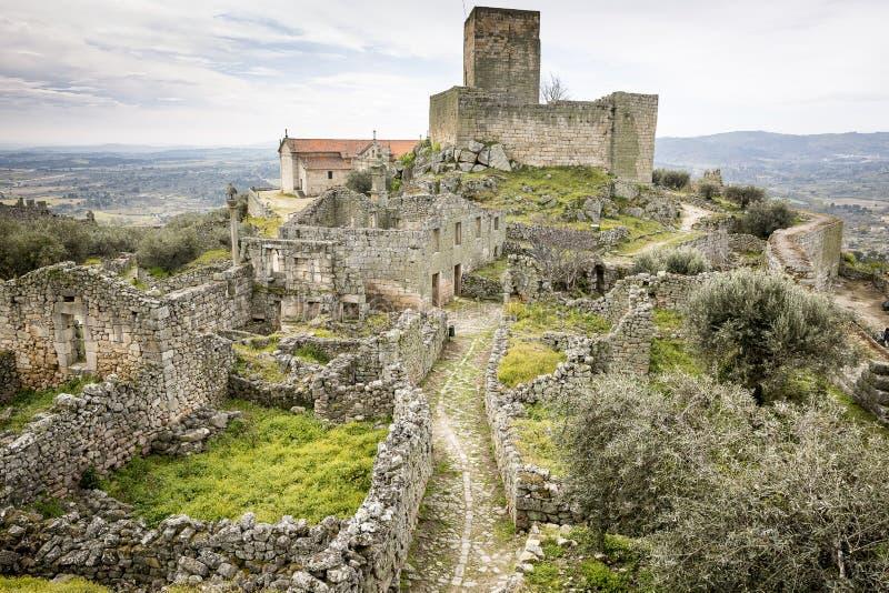 Wśrodku antycznego kasztelu w Marialva historycznej wiosce i fortecy, Guarda obraz royalty free