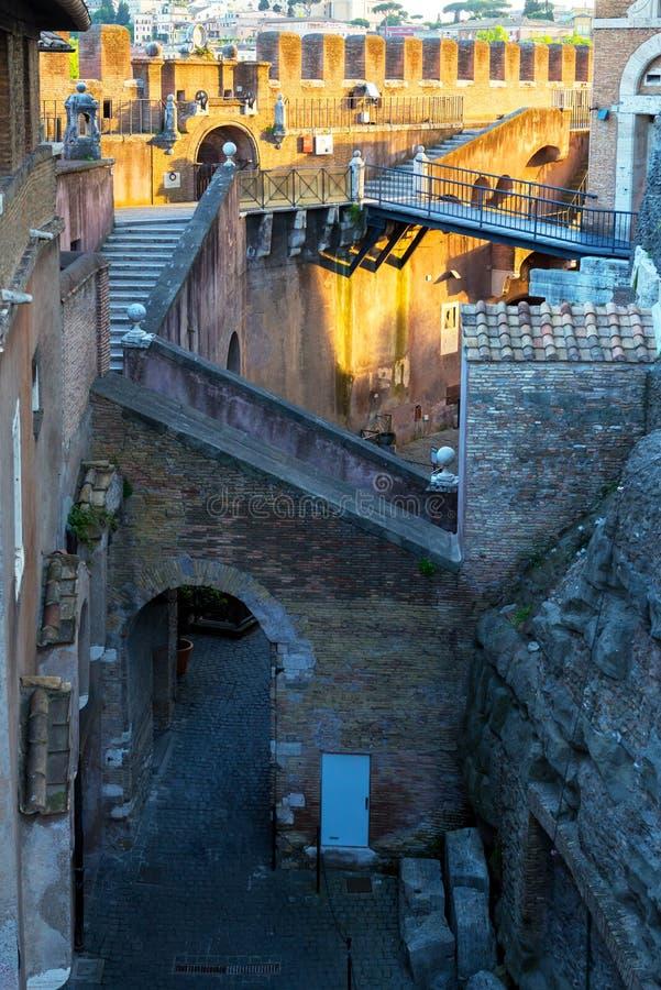 Wśrodku Castel Sant ` Angelo w Rzym obrazy stock