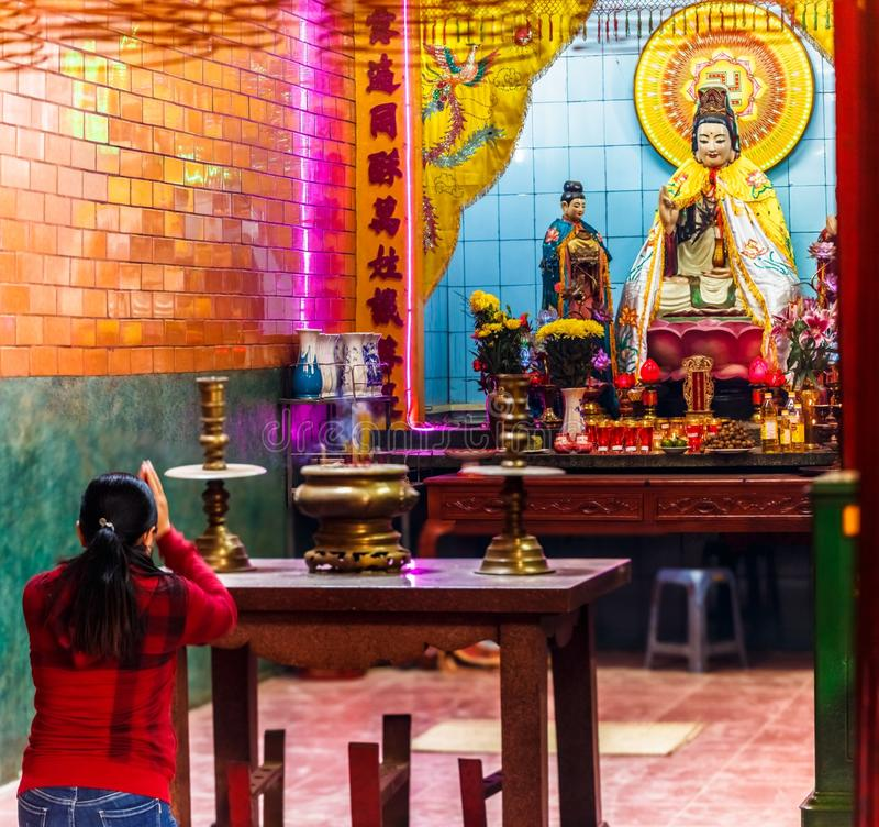 Wśrodku Chińskiej świątyni w śródmieściu Cantho miasto, Wietnam fotografia royalty free