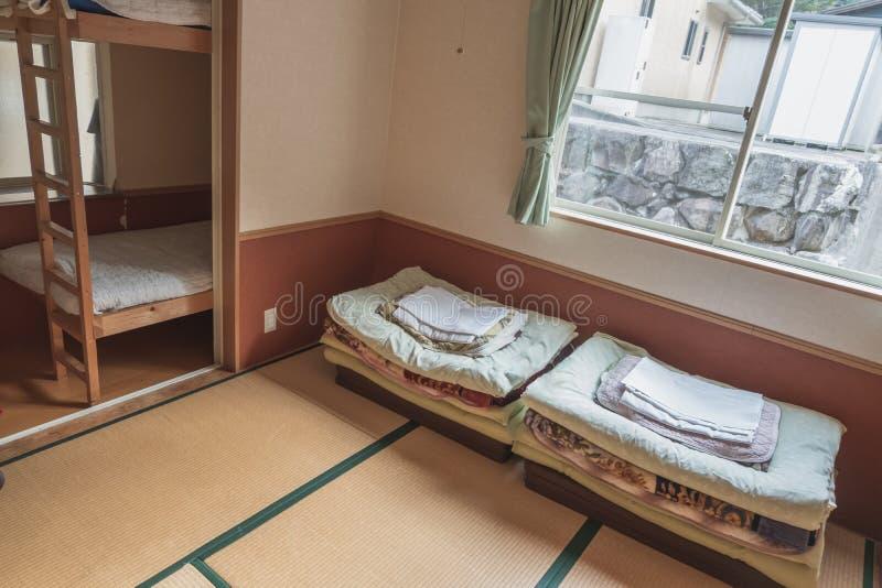 Wśrodku japońskiej sypialni, japończyka Ryokan pokój obrazy royalty free