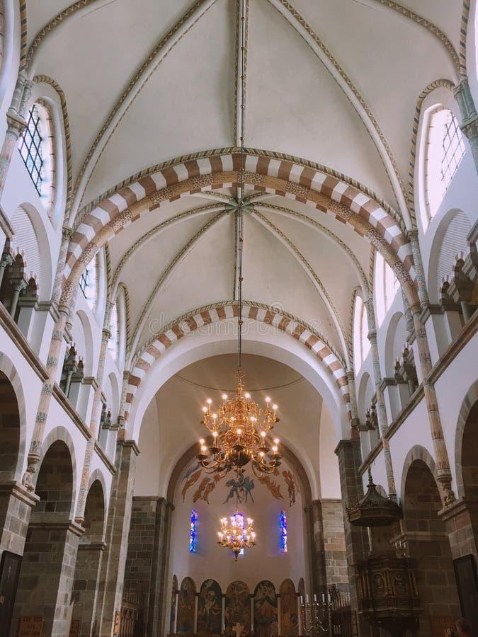 Wśrodku katedry obrazy stock