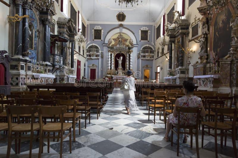 Wśrodku kościół katolickiego w Dubrovnik, Chorwacja fotografia stock