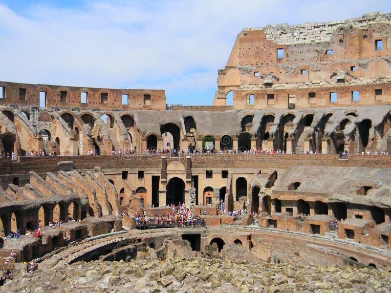 Wśrodku rzymskiego kolosseumu w Rzym obrazy royalty free