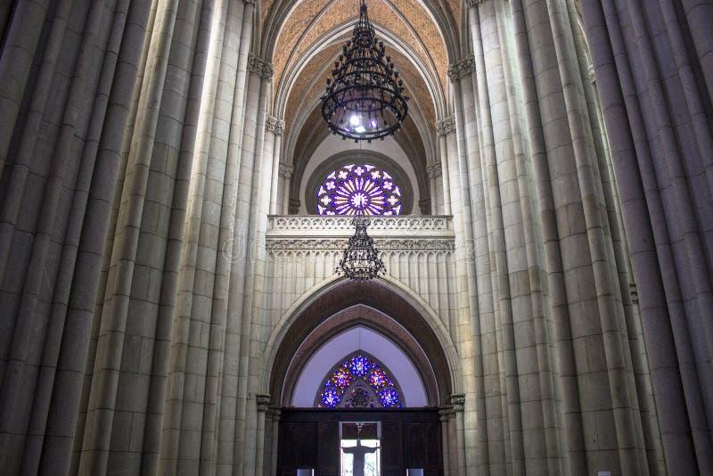 Wśrodku Se metropolita katedry obrazy stock