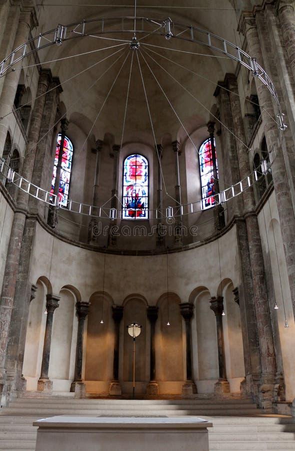 Wśrodku Wielkiego St. Martin kościół, Kolonia, Niemcy obrazy stock