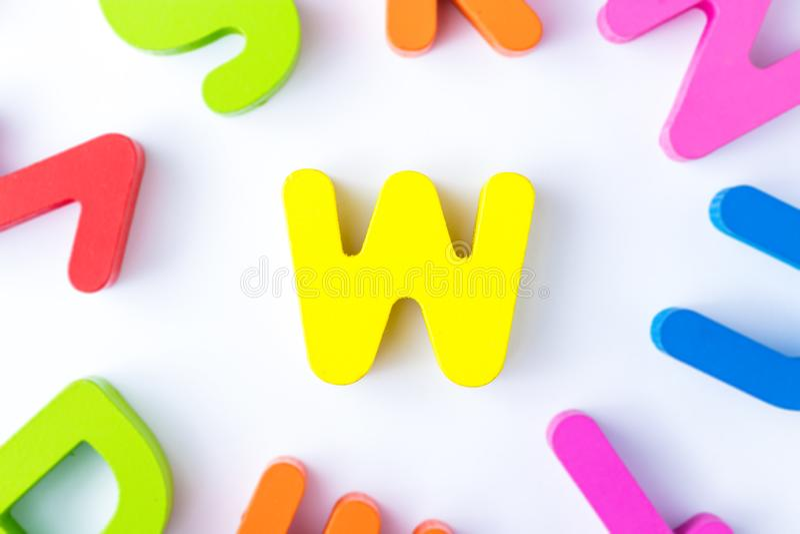 W信件用英语 免版税图库摄影