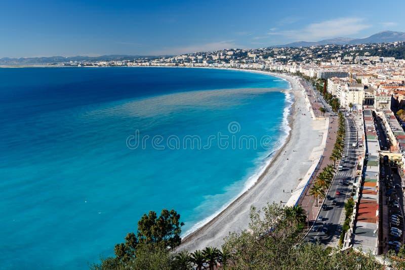 W Ładnym deptaka des Anglais i Piękna Plaża zdjęcie stock