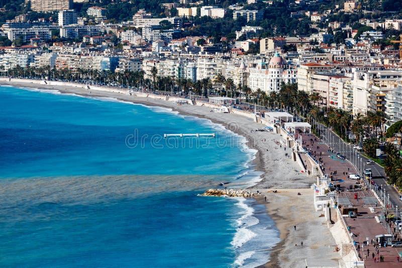 W Ładnym deptaka des Anglais i Piękna Plaża obrazy royalty free
