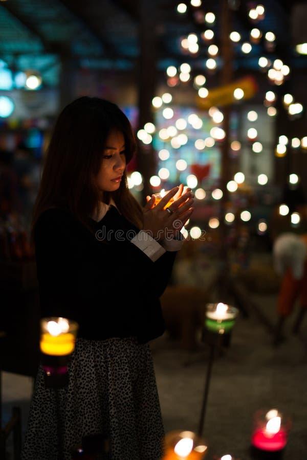 W świeczki świetle zdjęcie stock