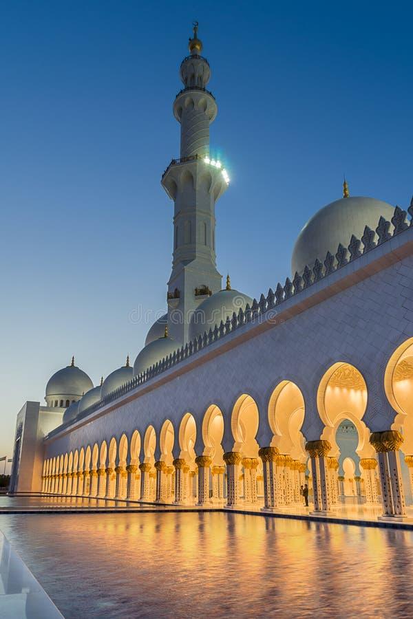 W Abu Uroczysty Sheikh Meczet Zayed Dhabi obraz royalty free