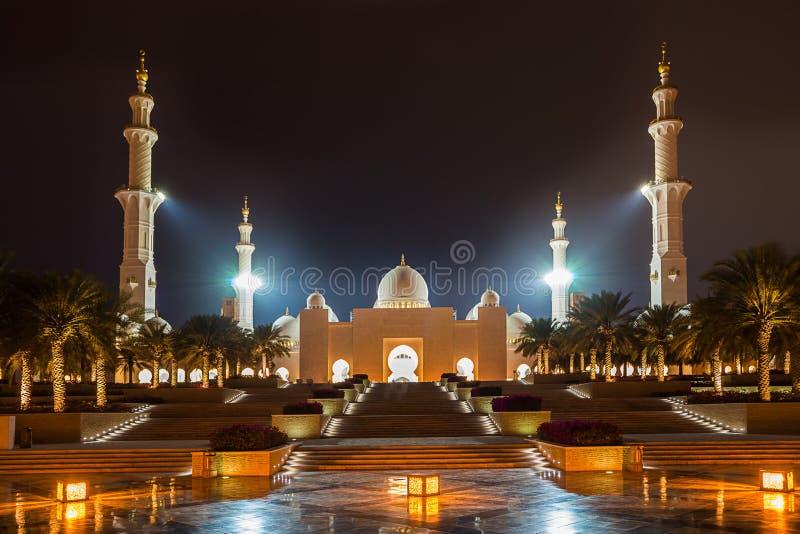 W Abu Uroczysty Sheikh Meczet Zayed Dhabi zdjęcie stock