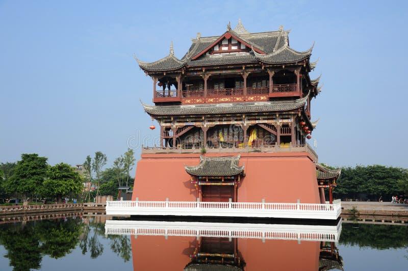 W Antycznym Luodai Miasteczku Wufeng Wierza fotografia royalty free