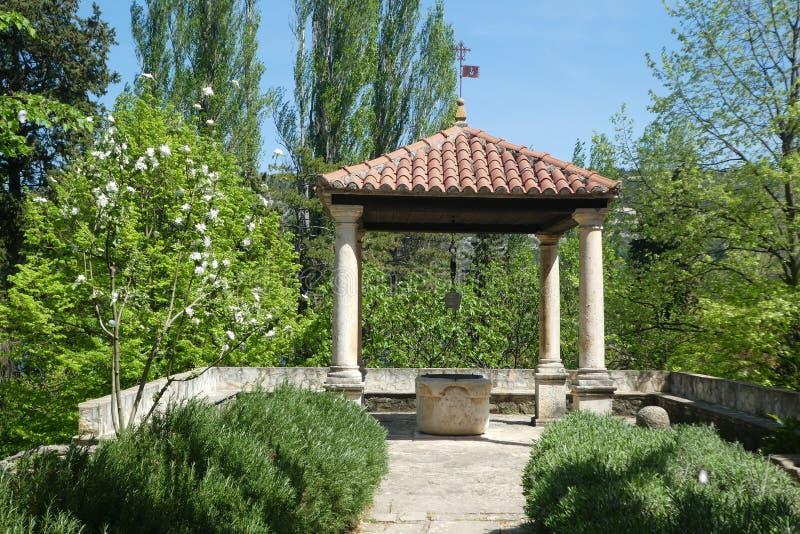 Własność, ogród, nieruchomość, Gazebo zdjęcia royalty free
