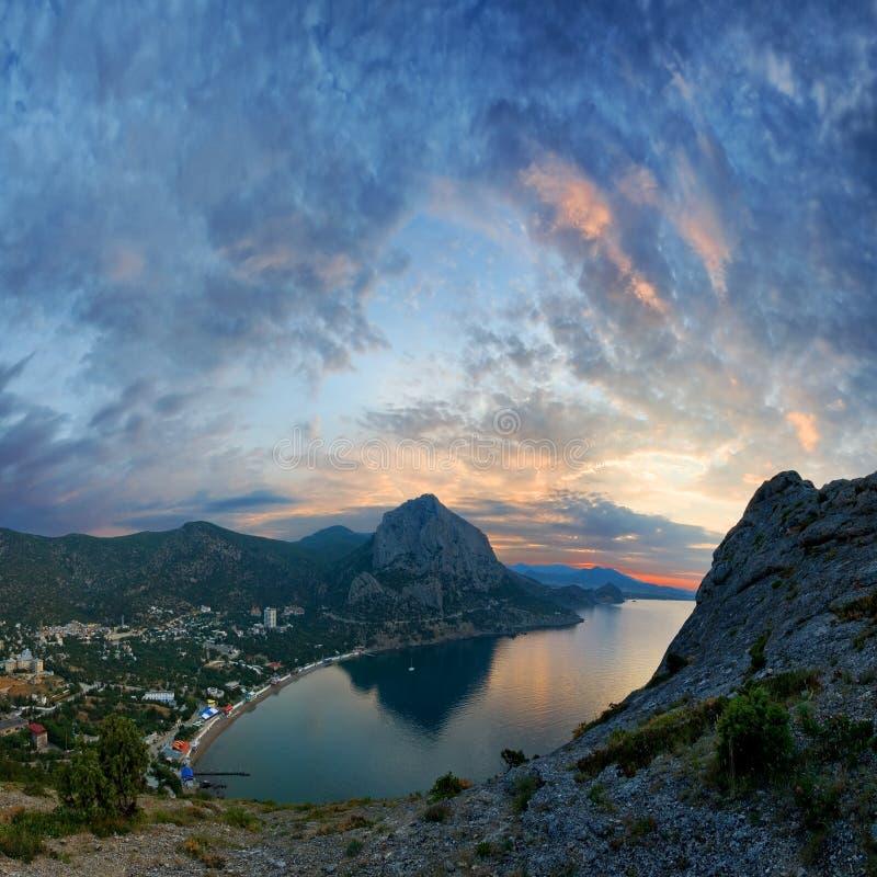 w bay sunset panoramiczny widok zdjęcia stock