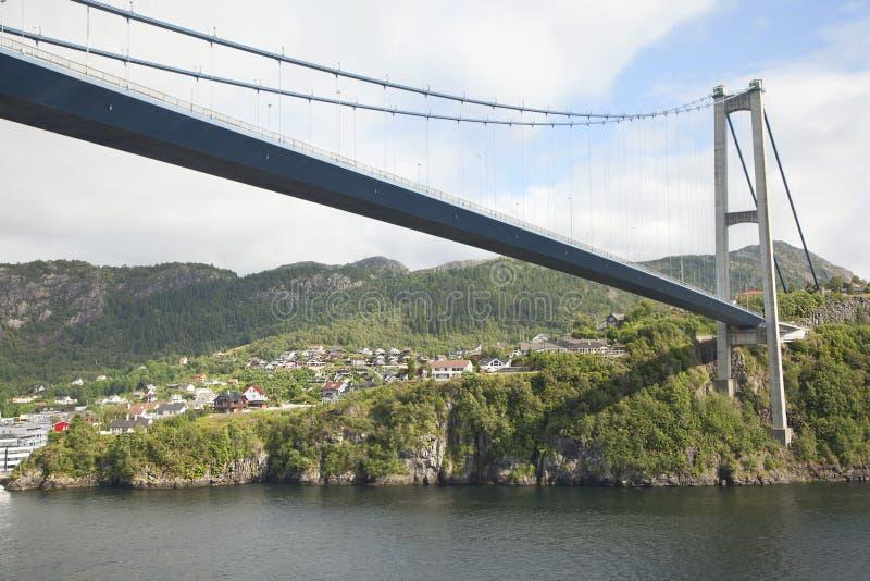 W Bergen zawieszenie duży długi most zdjęcie royalty free