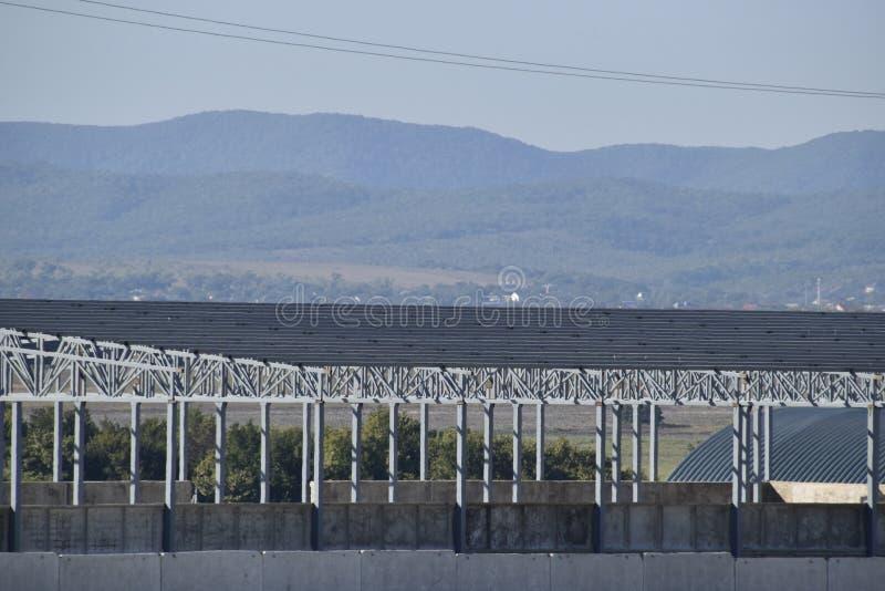 W budowie hangar Budynek metal rama obraz stock