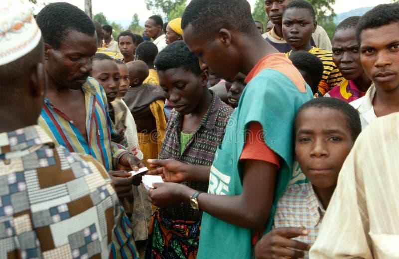 W Burundi opieka pracownik. zdjęcie royalty free