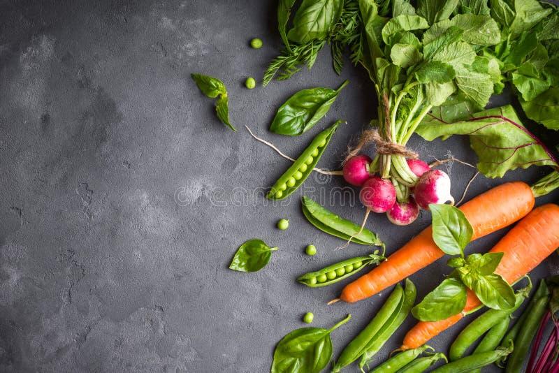 w cabbadge świeżej marchwiana pieprzone warzywa kukurydzy zdjęcie stock