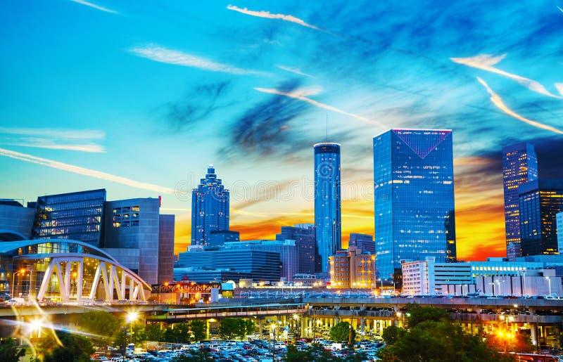W centrum Atlanta przy nighttime fotografia royalty free