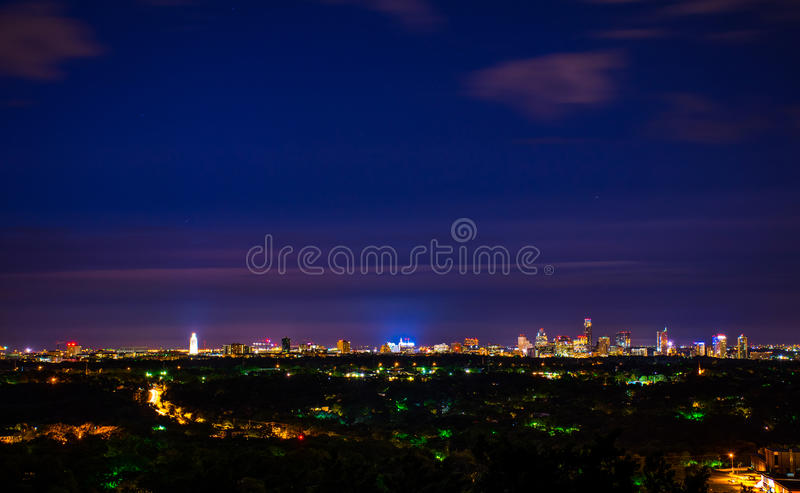 W centrum Austin Teksas nocy pejzaż miejski Przegapia miast światła fotografia royalty free