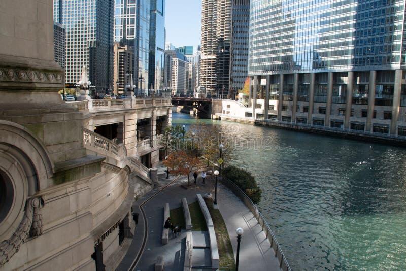 W centrum Chicagowski Nowożytny i Stary budynku pejzaż miejski zdjęcie stock