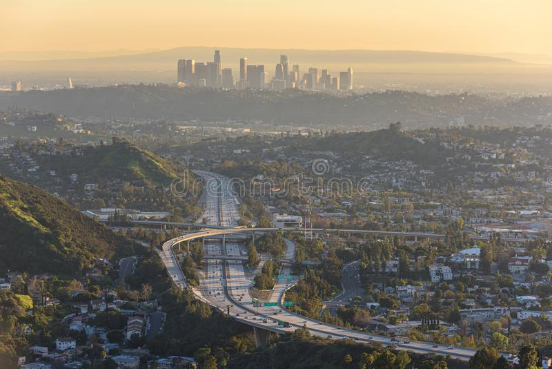 W centrum Los Angeles linia horyzontu przy zmierzchem fotografia royalty free