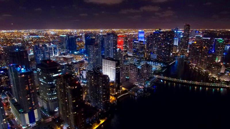 W centrum Miami nocy Powietrzna linia horyzontu fotografia royalty free