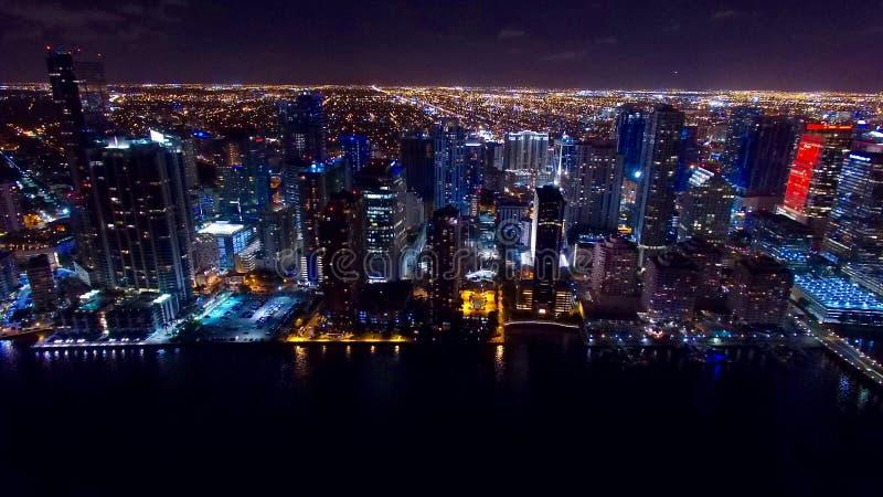 W centrum Miami nocy Powietrzna linia horyzontu fotografia stock