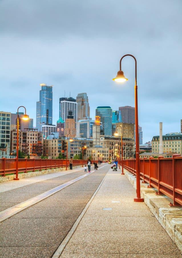 W centrum Minneapolis, Minnestoa przy nighttime zdjęcia royalty free