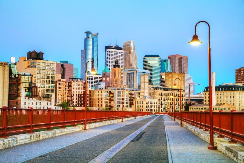 W centrum Minneapolis, Minnestoa przy nighttime zdjęcie royalty free